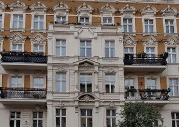 Prachtvoller Stuckaltbau nahe Winterfeldtplatz! 3 Zimmer Maisonette-Wohnung, 10781 Berlin-Schöneberg, Etagenwohnung